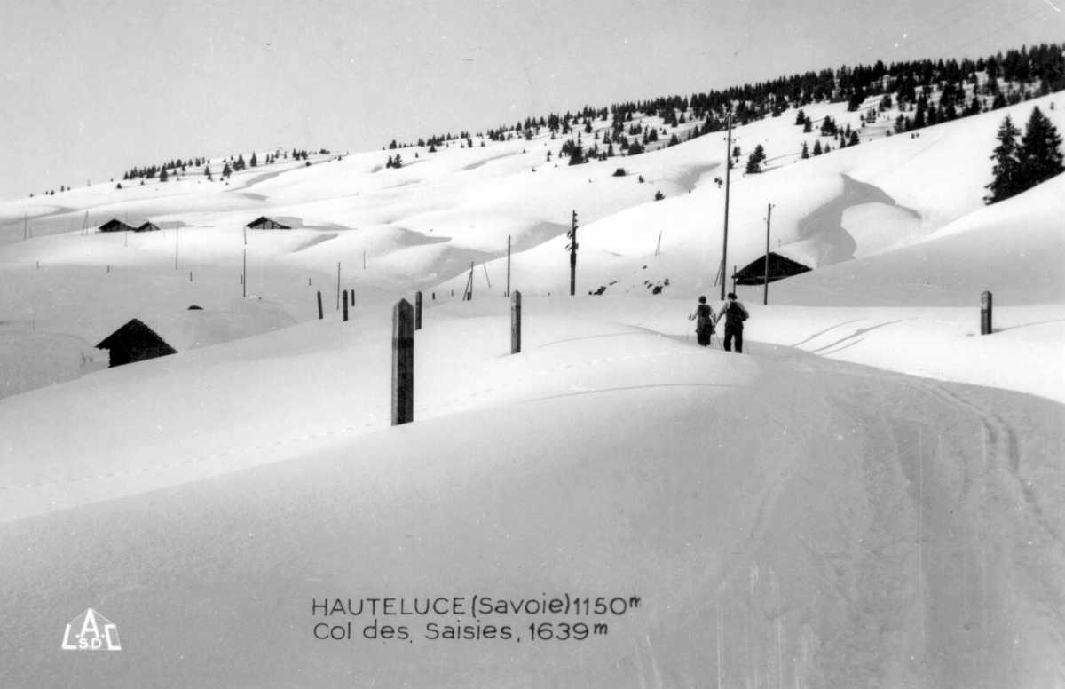 Le col des Saisies à l'origine sous la neige